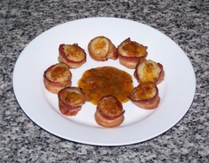 Bacon wrapped scallop with garlic sweet chili lime sauce